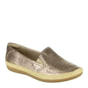 CLARKS Danelly Molly Loafers in Pewter NWOB Size 9